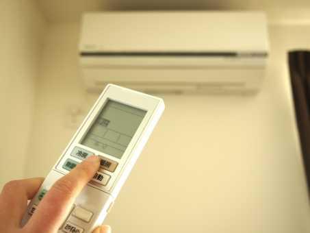 エアコン の リモコン が 効か ない