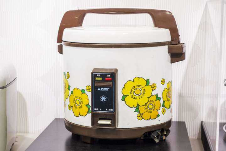 保温機能付電子ジャー炊飯器