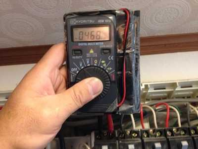 上がらないブレーカーの電圧チェック